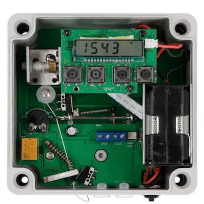 Automatische-Huehnertuer-mit-Lichtsensor-5-3.jpg