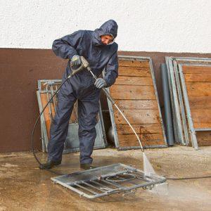 Wasch-und-Reinigungsoverall-mit-Kapuze-3-3.jpg